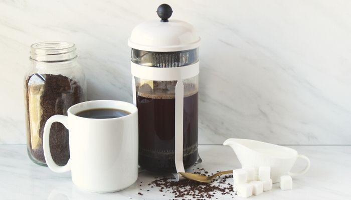 how does a French press work